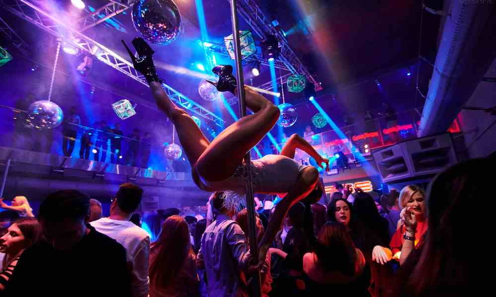 Kiev Nightlife Guide & Party Tips For Travelers (This is